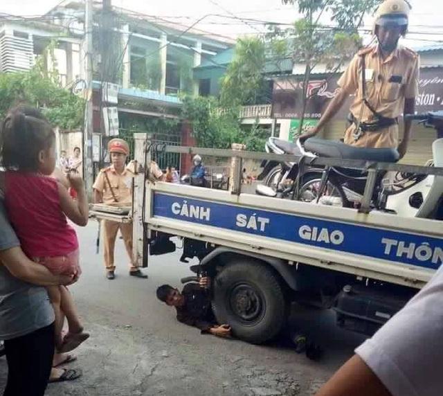 Với nhiều hành vi phạm lỗi, Nguyễn Văn Hiếu bị lực lượng chức năng xử phạt hơn 6 triệu đồng.