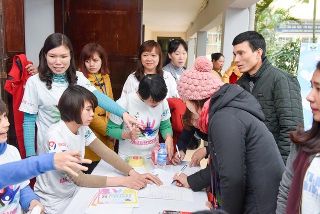 Các bậc cha mẹ đều có chung mong muốn: Chúng tôi hi vọng cộng đồng sẽ cùng chung tay giúp đỡ các bệnh nhi mắc bệnh hiếm.