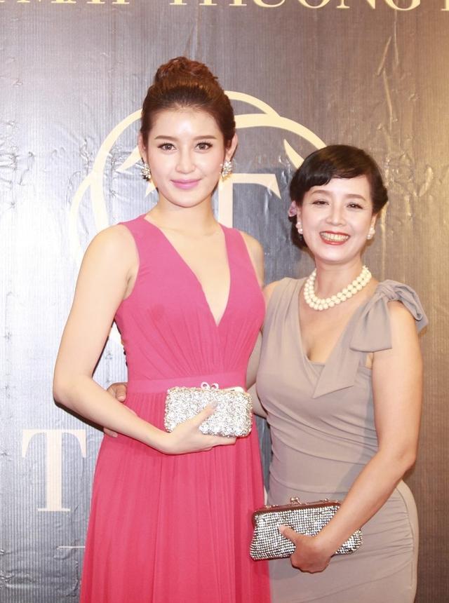 Á hậu Huyền My cho biết, cô khá n gưỡng mộ vẻ đẹp của diễn viên Chiều Xuân