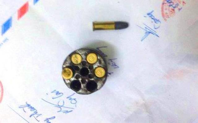 5 viên đạn mà Công an TP Vinh thu giữ từ Hảo.