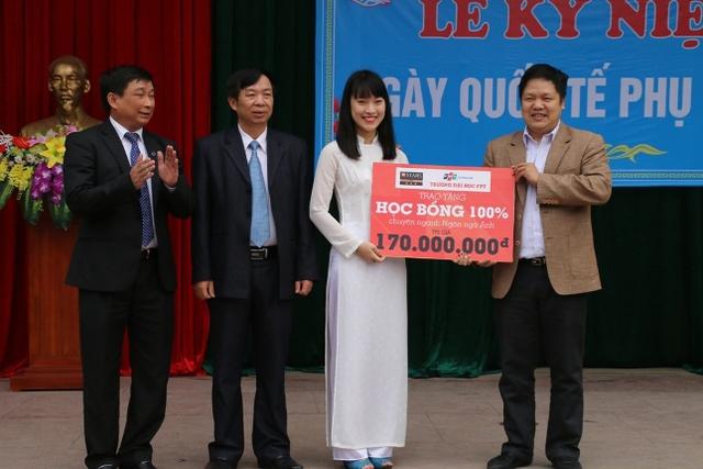 Khánh Vy nhận học bổng 100% của trường ĐH FPT