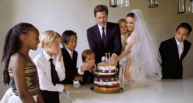 Họ yêu nhau, có những đứa con, sở hữu khối tài sản khổng lồ và vượt qua nhiều khó khăn trong cuộc sống. Ngay cả khi Angelina phẫu thuật, Brad Pitt vẫn ở bên. Ngày 23/8/2014, Brad Pitt và Angelina Jolie chính thức nên vợ nên chồng trong một đám cưới bí mật diễn ra tại một nhà nguyện nhỏ ở biệt thự Château Miraval, thuộc tài sản của gia đình ở ngôi làng Correns, nước Pháp. Cả thế giới chỉ biết tới đám cưới kinh điển này sau một tuần, khi các tạp chí hé lộ.