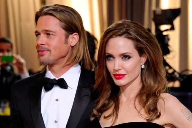 Tuy nhiên, cuối cùng sau 12 năm một câu chuyện tình đẹp của Hollywood cũng đã kết thúc. Thông tin Brad và Angelina ly hôn khiến nhiều người tiếc nuối, truyền thông bất ngờ. Tờ Sina của Trung Quốc gọi đây là tượng đài đã bị lật đổ.