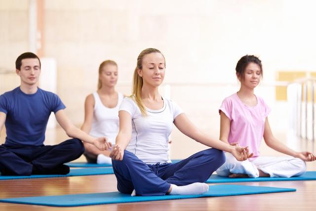Yoga có ích trong việc điều trị mụn trứng cá