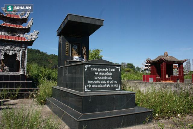Phần mộ của cố xạ thủ Trần Oanh.