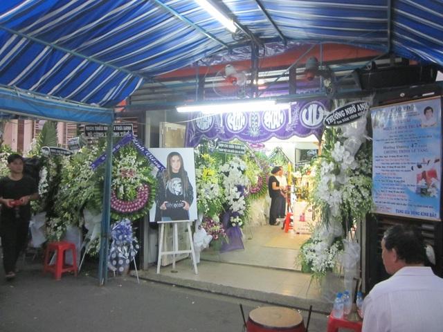 Đám tang ca sĩ Minh Thuận