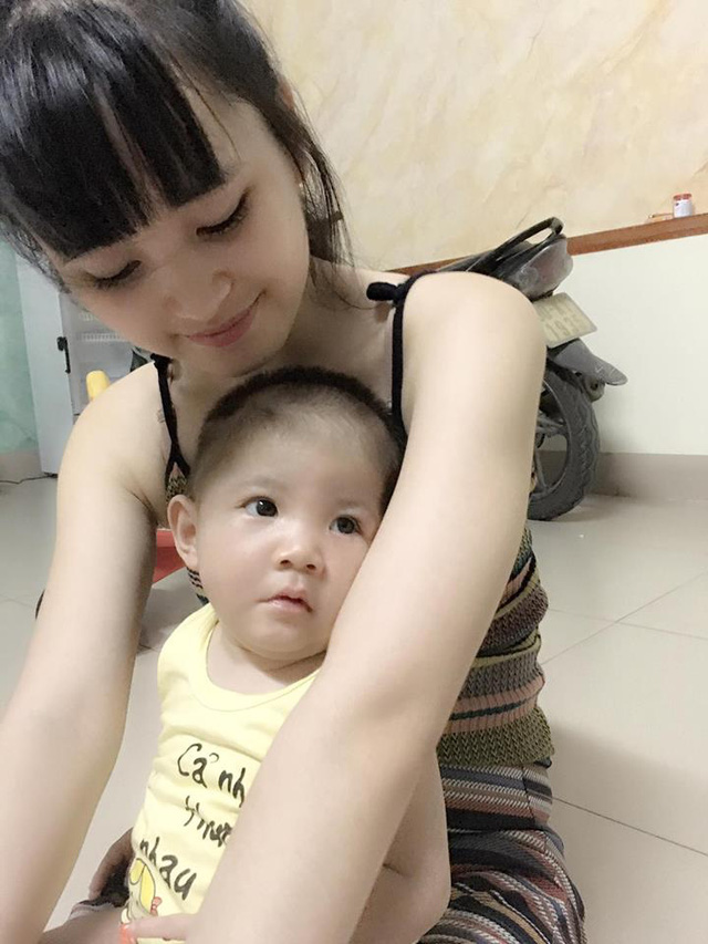 Hình ảnh mới nhất về bé Yến Nhi được mẹ nuôi Thanh Tâm chia sẻ. Ảnh: FBNV