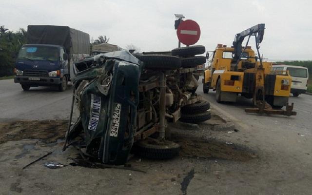 Hiện trường vụ tai nạn khiến 4 người bị thương. Ảnh: CTV