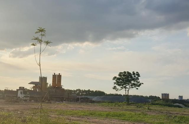 Bãi chứa vật liệu xây dựng của Công ty CP Đầu tư Sông Đà – Việt Đức.