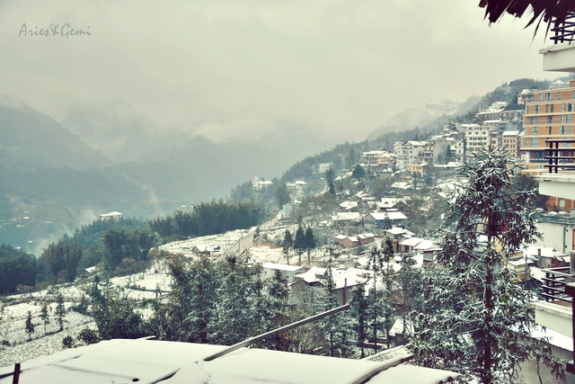 Những bức ảnh giống với khung cảnh ở Châu Âu mùa đông với tuyết phủ trắng xóa từng góc phố, mái nhà. Ảnh Thái Hà