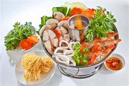 Những quán ăn ngon hút khách tại VMM Royal City 11