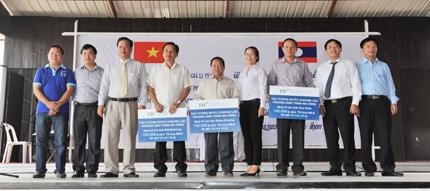 TH true MILK tặng 300.000 ly sữa tươi sạch cho trẻ em nước bạn Lào 1