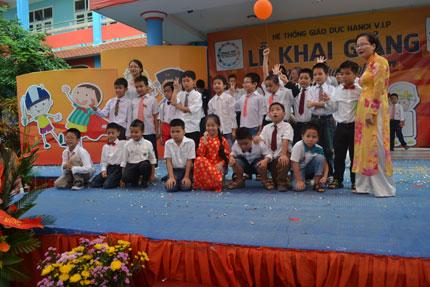 """Chuyện hy hữu ở Hà Nội: Lớp học tiểu học """"toàn"""" nam 8"""