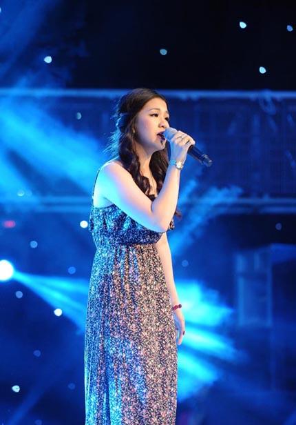 """Giọng hát Việt 2013: Dương Hoàng Yến gây """"náo loạn"""" đêm cuối vòng Giấu mặt 4"""