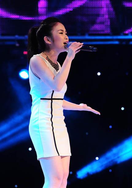 """Giọng hát Việt 2013: Dương Hoàng Yến gây """"náo loạn"""" đêm cuối vòng Giấu mặt 3"""