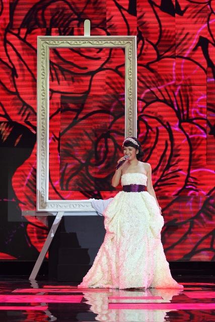 Hồng Nhung rạng rỡ như công chúa 3