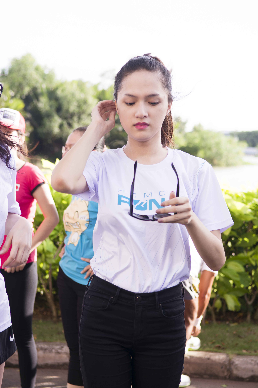 """Hà Tăng mặc quần đùi """"chinh phục"""" cầu Phú Mỹ với 5000 người  8"""