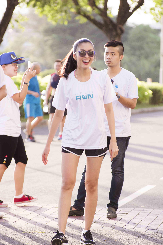 """Hà Tăng mặc quần đùi """"chinh phục"""" cầu Phú Mỹ với 5000 người  16"""