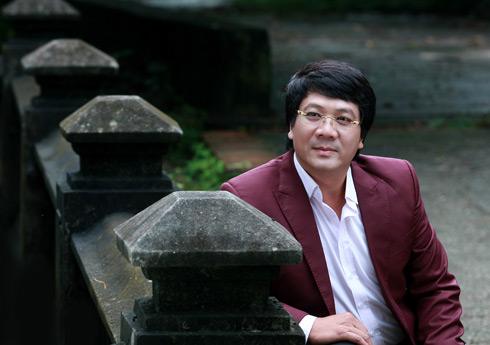 """NSƯT Quốc Hưng khóc nhiều lần khi thu album """"Những bản tình ca đỏ"""" 2"""