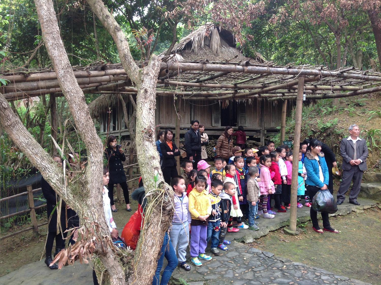 Khổ chủ ngôi  nhà Lang trăm tuổi bị đốt cháy ở Hòa Bình gửi thư kêu cứu 5