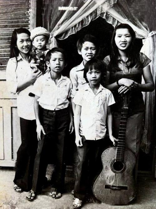 Tấm ảnh cưới chưa bao giờ công bố của Hoài Linh với người vợ đầu 2