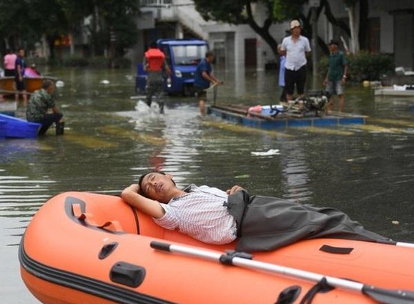 Tin Lũ Lụt Mới Nhất ở Trung Quốc Di Sản 3 000 Năm Bị Chim Trong Nước Va Toan Cảnh Xả đập Lớn Nhất Thế Giới