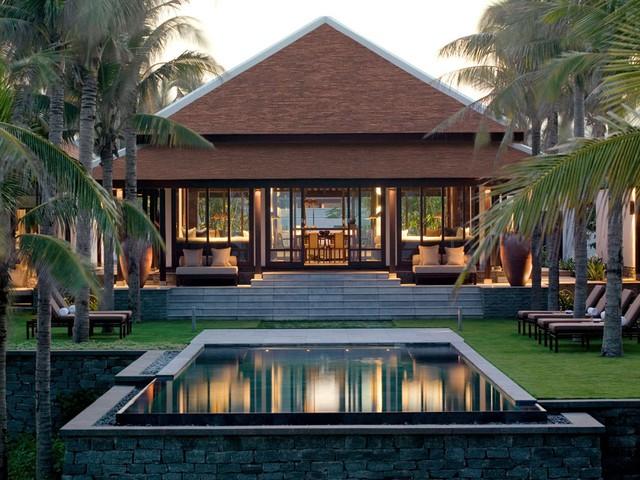 Khu nghỉ dưỡng TheNam Hải, Hội An xếp thứ 10 với 90,931 điểm.Với lối thiết kế khéo léo cách tân giữa hiện đại và chấm phá theo phong cáchÁ Đông mang đến cho du khách sự thích thú.