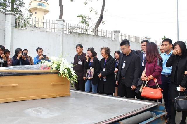 Nhiều người thân và bạn bè tiếc thương cho số phận của 3 mẹ con xấu số.