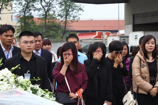 Những tiếng khóc, những giọt nước mắt tiếc thương 3 mẹ con chị Nguyễn Ngọc Minh (SN 1977) và 2 con Đặng Minh Châu (SN 1997) và Đặng Quốc Duy (SN 2001).