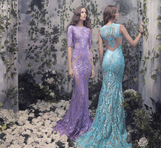 Các nhà thiết kế cũng không bỏ lỡ xu hướng màu mới nhất năm 2015: màu pantone, bằng chứng là các sắc màu đằm thắm, nhẹ nhàng này tràn ngập bộ sưu tập váy cưới xa hoa.