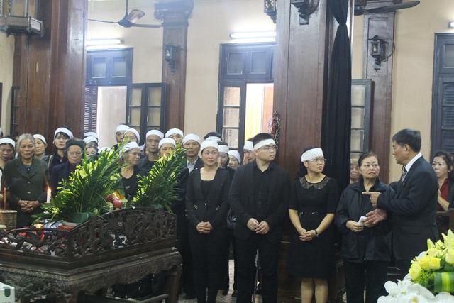 Đúng 9h30, Lễ viếng 3 mẹ con tử nạn trong vụ rơi máy bay MH17 được bắt đầu
