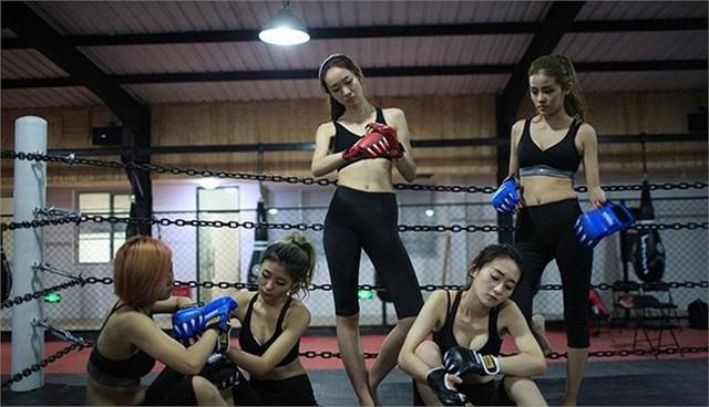 Bên trong lớp đào tạo vệ sỹ Thiên Kiêu ở Bắc Kinh, Trung Quốc hôm 30/4.