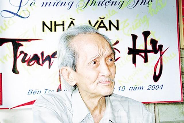 """Nhà văn Trang Thế Hy, """"báu vật sống"""" của văn học Nam Bộ. Ảnh: TL"""