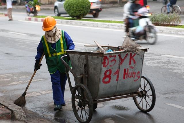 Đội ngũ công nhân môi trường phải thức dậy từ 5h sáng để bước vào công việc