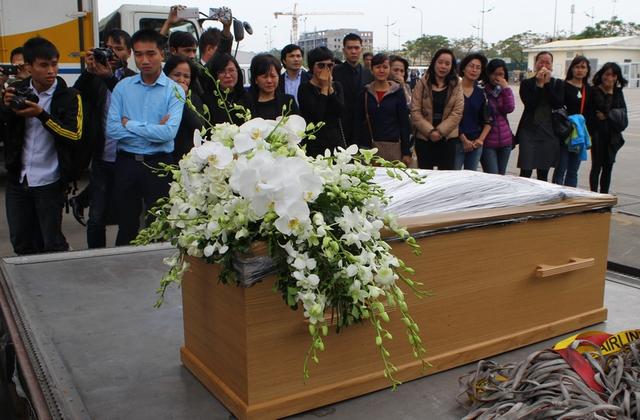 Sau khi được nhận dạng, toàn bộ thi thể 3 mẹ con chị Minh đã được hỏa thiêu sau mới được chuyển về Việt Nam bằng các quy trình đặc biệt.