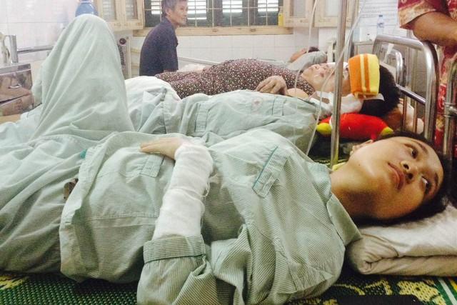 Bệnh nhân Trang và chồng sắp cưới - anh Quân, đang điều trị tại Khoa Bỏng - Bệnh viện Xanh Pôn