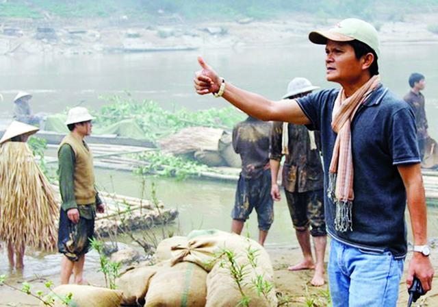 """Đạo diễn Nguyễn Thanh Vân trên phim trường """"Sống cùng lịch sử"""". Ảnh: TL"""