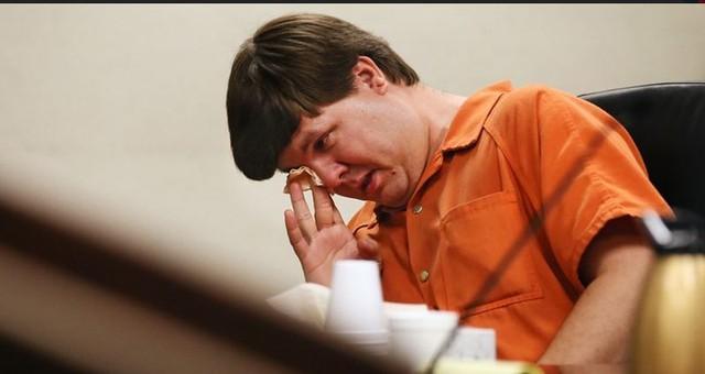 Ở cuối phiên xét xử, ông Harris không cầm được nước mắt