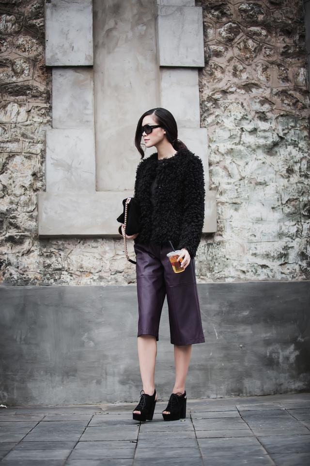 Nói về streetstyle của mình, Thùy Dung cho biết, cô thích phong cách hiện đại, cá tính của các fashionista phương Tây. Bằng cách thường xuyên đọc báo, tìm hiểu về thời trang thế giới, cô đã học hỏi và tạo ra style riêng cho mình.