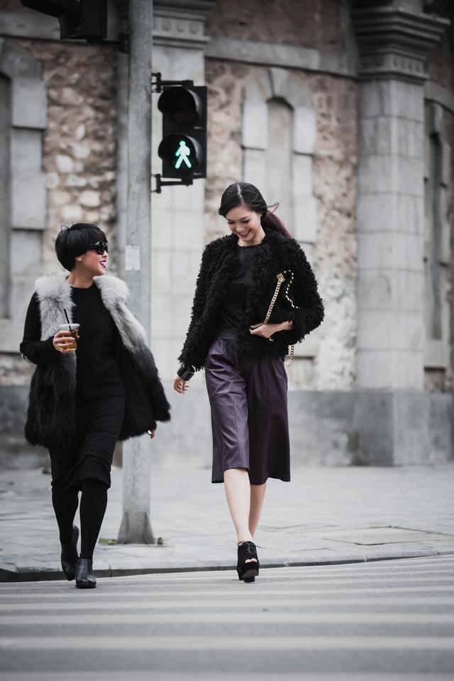 So với các Hoa hậu khác, style thời trang đời thường của Thùy Dung được đánh giá cao. Cô cập nhật nhanh nhạy xu hướng mới và lựa chọn những bộ cánh hiện đại, bắt mắt, phù hợp với vóc dáng và tính cách mạnh mẽ của mình.