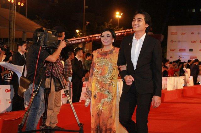 Ca sĩ Phương Thanh và diễn viên Khương Thuận