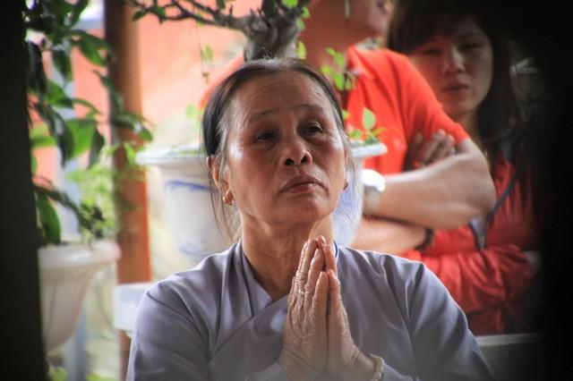 ...mong trời đất phù hộ cho ông Nguyễn Bá Thanh sớm vượt qua bạo bệnh, trở về. Ảnh Đức Hoàng