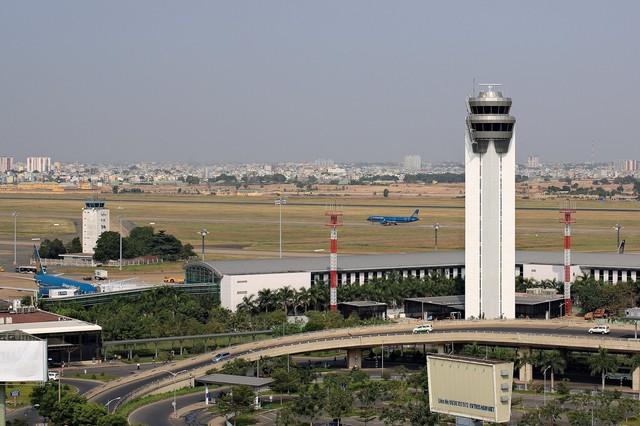 Sếp và nhân viên liên quan đến vụ mất điện tai tiếng ở đài kiểm soát không lưu sân bay Tân Sơn Nhất ngày 20/11.
