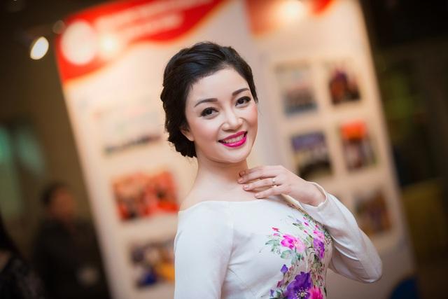 Ca sĩ Phạm Thu Hà