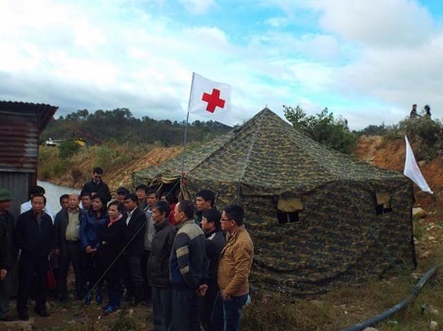 Bộ trưởng Y tế Nguyễn Thị Kim Tiến chỉ đạo ứng cứu y tế tại hiện trường hôm 17/12.