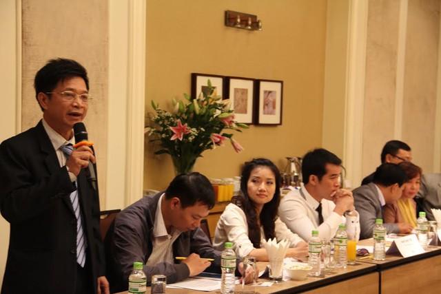 Ông Nguyễn Trọng Hoàn, Phó Vụ trưởng Vụ Giáo dục trung học, Bộ Giáo dục và Đào tạo phát biểu tại hội thảo.