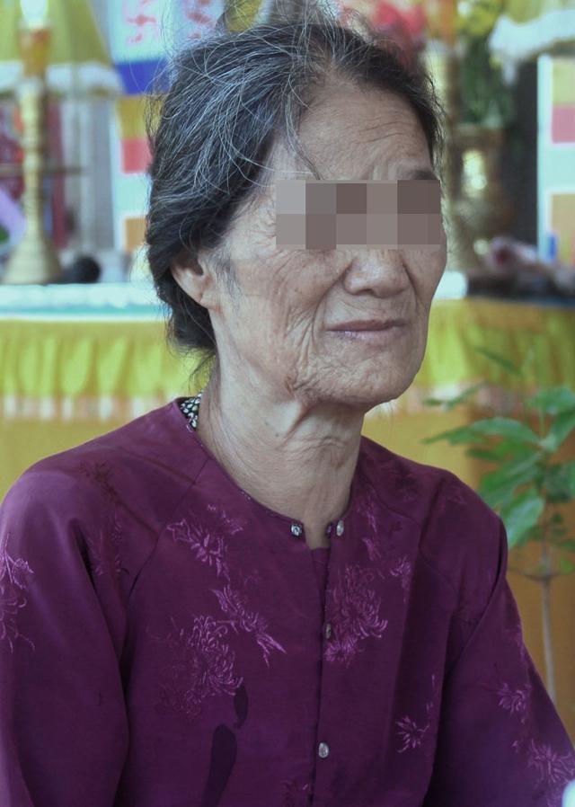 Mẹ anh Thanh kể lại chuyện con trai bị bạo hành.