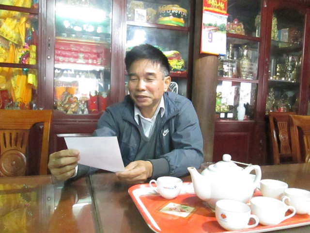Ông Phạm Hồng Thi – Phó Ban quản lý đền Bà Chúa Kho chia sẻ những nghi thức cần thiết khi cúng lễ.