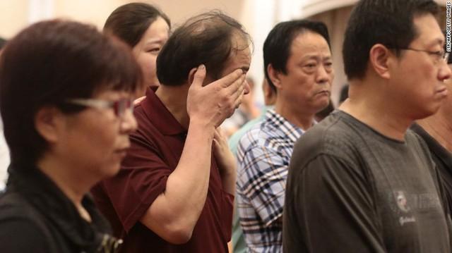 Relatives of passengers wait in Nanjing on June 2.