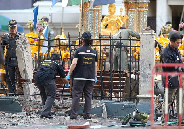 Đau đớn tột cùng sau vụ đánh bom kinh hoàng làm hàng trăm người thương vong-3